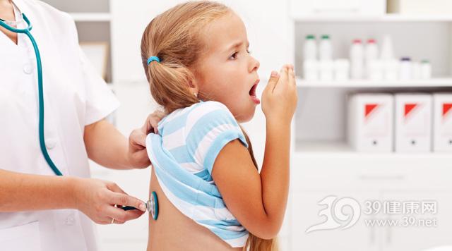 孩子-女-咳嗽-生病-检查-听诊器-医院-医生-就诊-看病_15720192_xxl.jpg